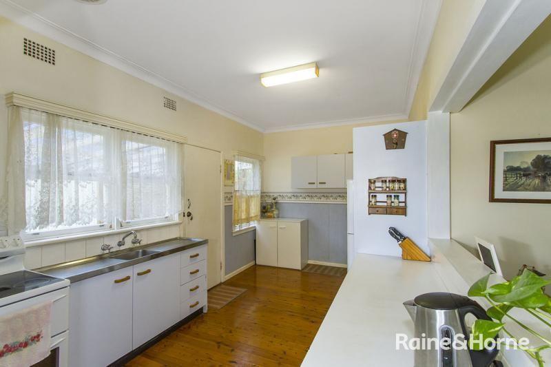 1 Sinclair Street, Gosford NSW 2250, Image 1