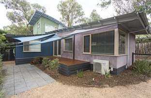 Picture of 1/142 Grand Boulevard, Montmorency VIC 3094