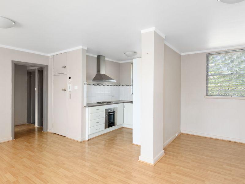 1/25 Hannan Street, Kalgoorlie WA 6430, Image 2