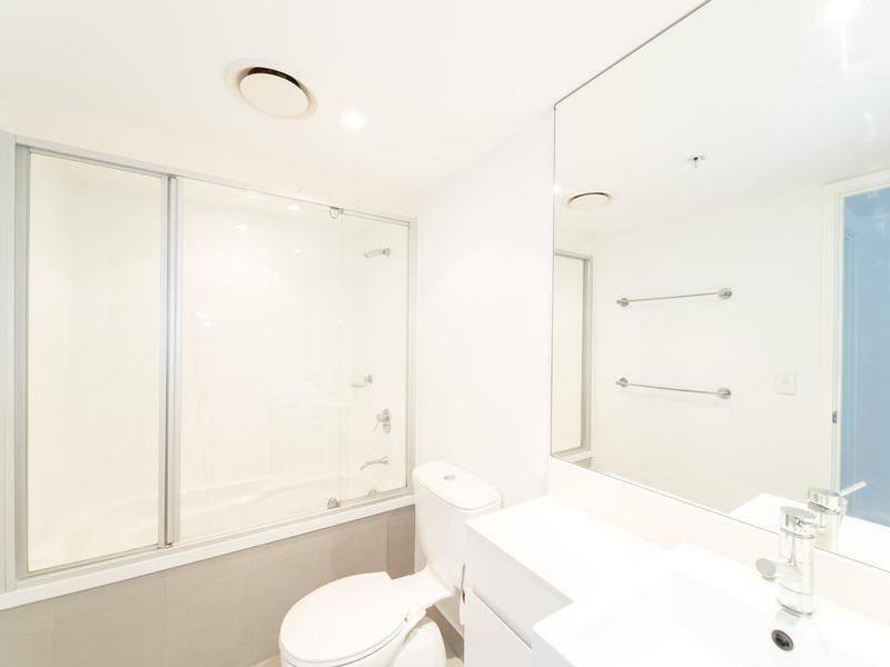 22603/5 Lawson Street, Southport QLD 4215, Image 2