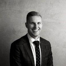 Shane Flanagan, Sales representative