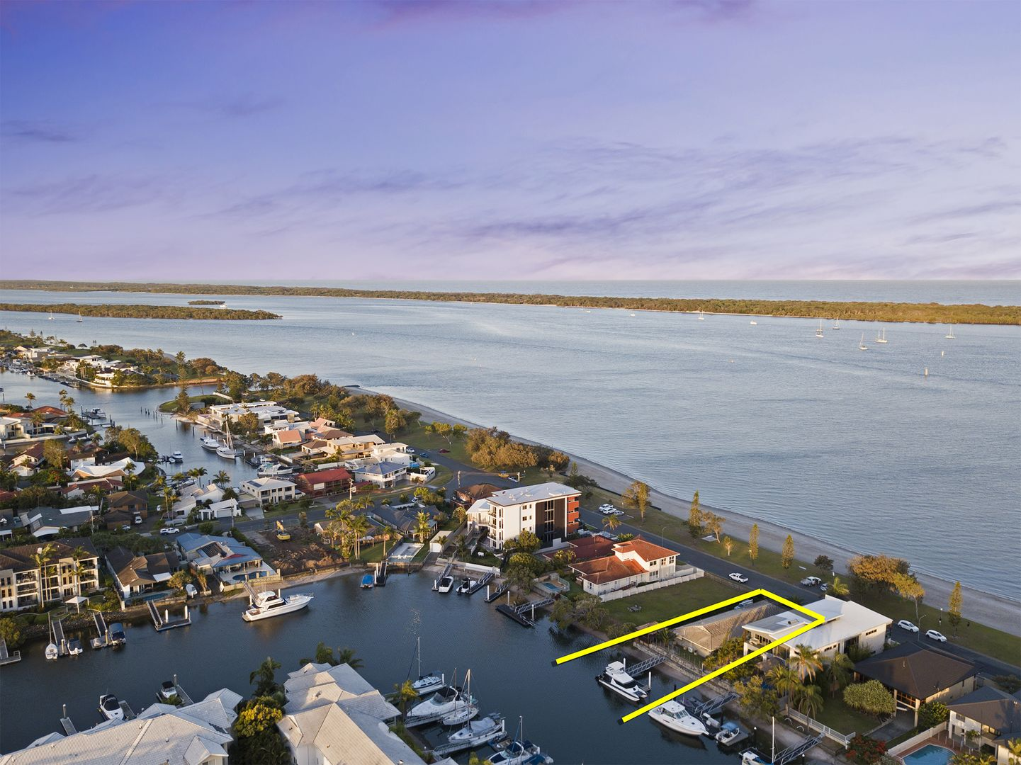 20 Anglers Esplanade, Runaway Bay QLD 4216, Image 2