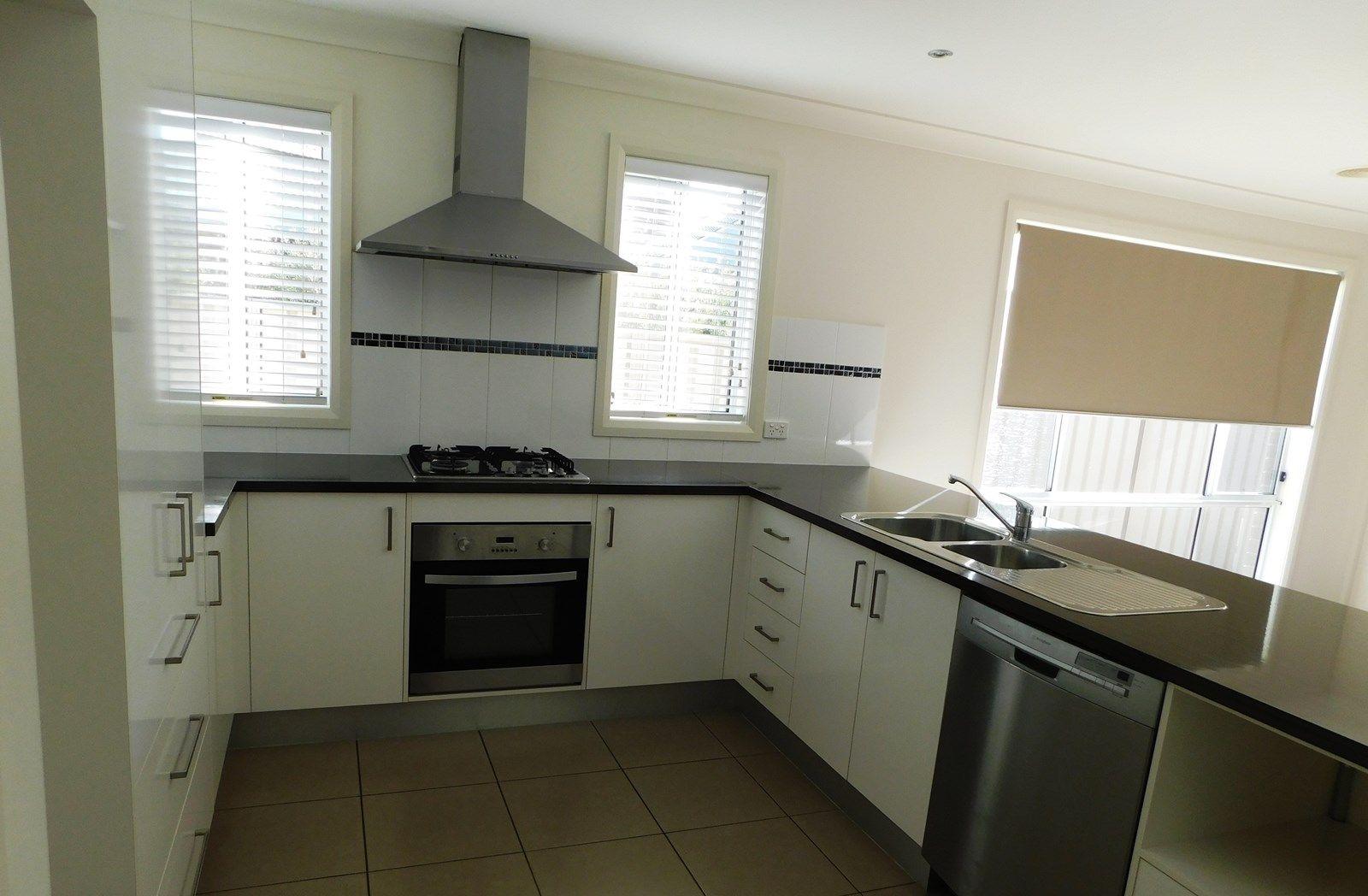 8 Grange Close, Wodonga VIC 3690, Image 2