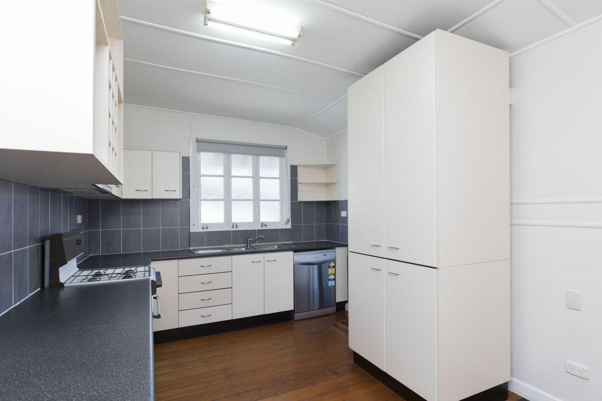15 Pine Street, Wynnum QLD 4178, Image 1