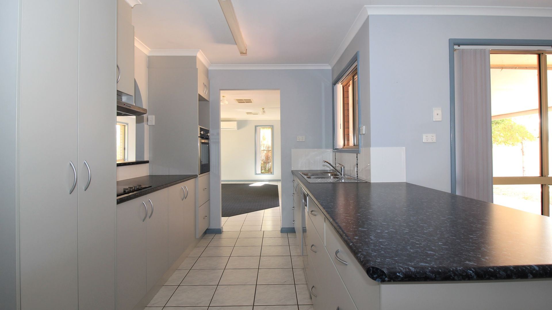 15 White Street, Emerald QLD 4720, Image 2