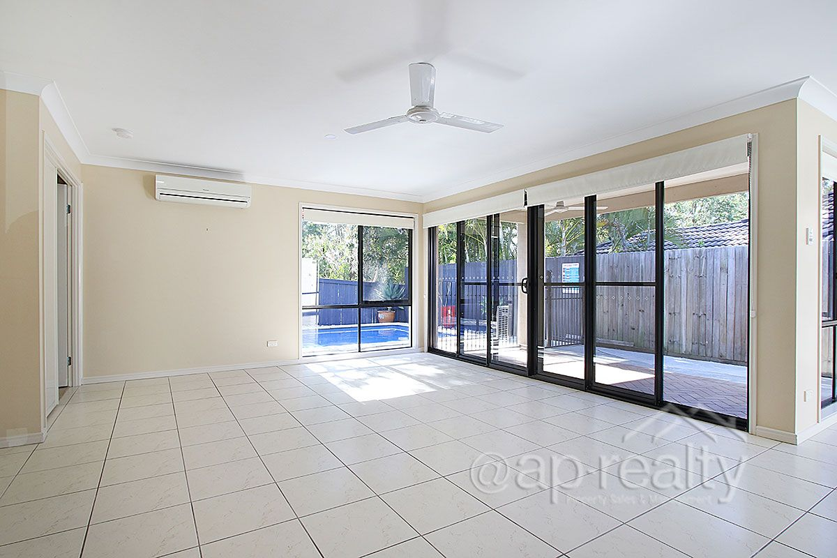 16 Parkside Place, Forest Lake QLD 4078, Image 2