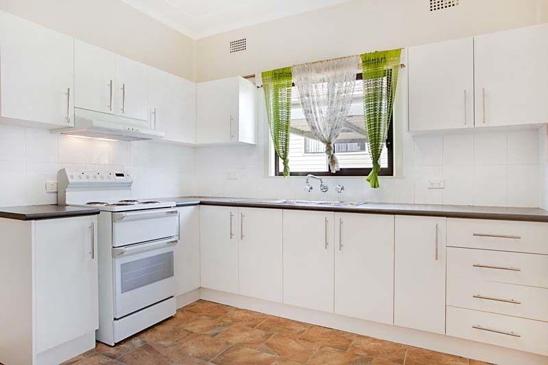 15 Bland Street, Bradbury NSW 2560, Image 2