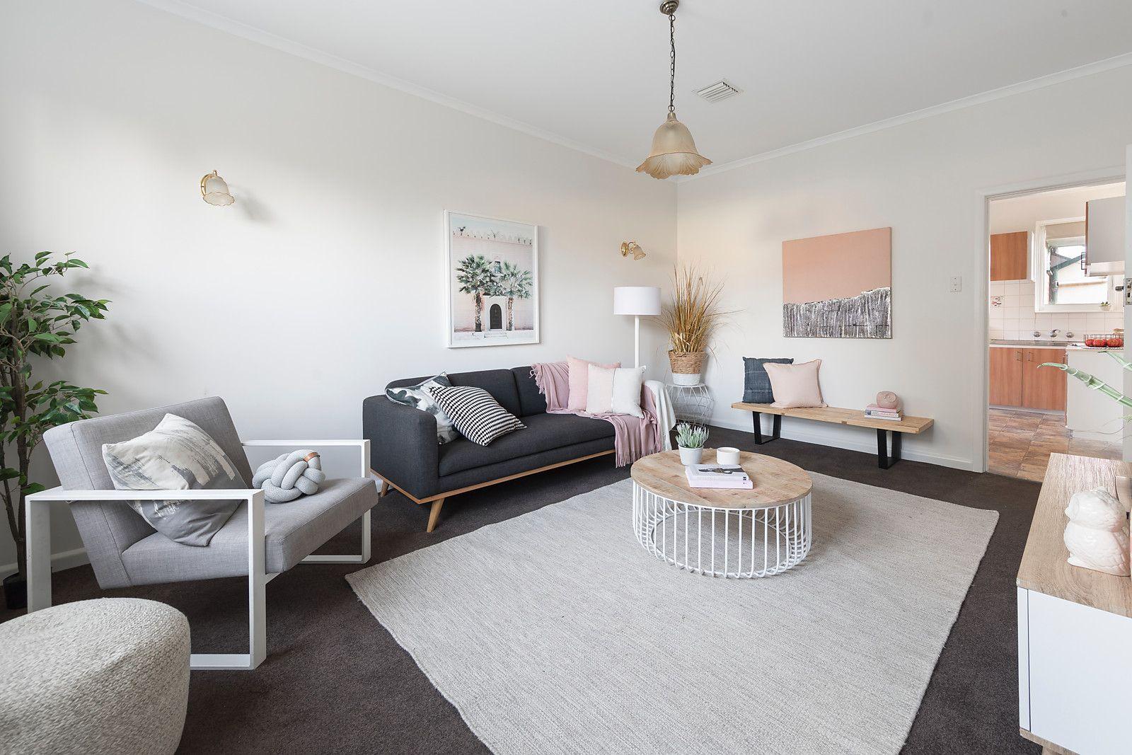 33 Connolly Avenue, Coburg VIC 3058, Image 1