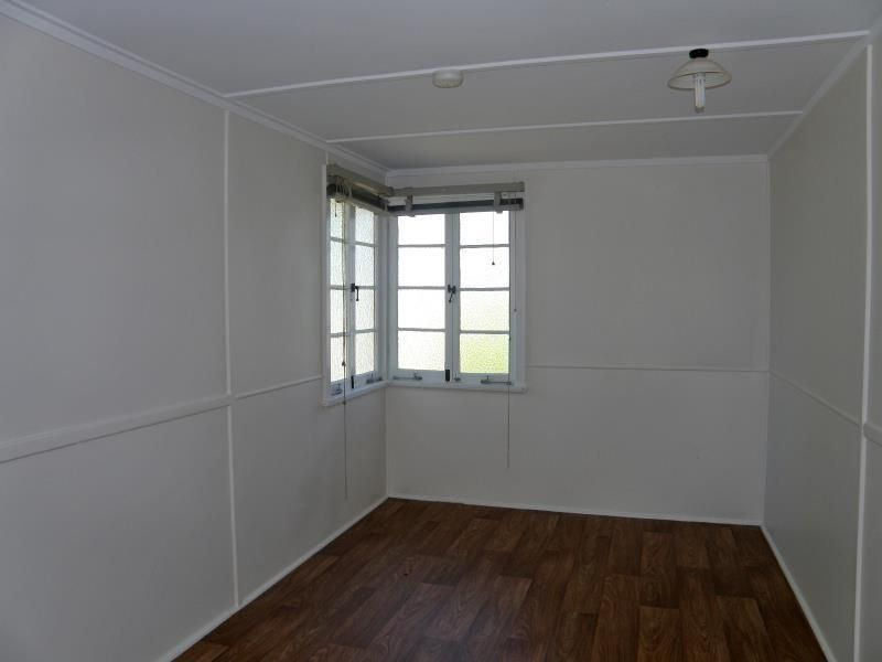 24 Bell Street, Biloela QLD 4715, Image 2