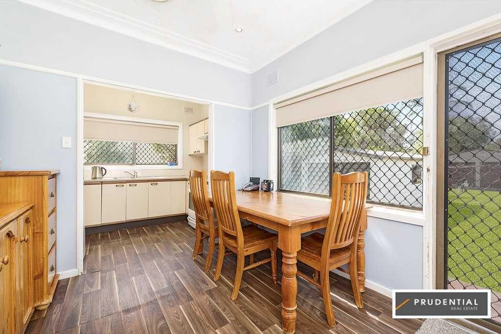 14 Hilltop Crescent, Campbelltown NSW 2560, Image 2
