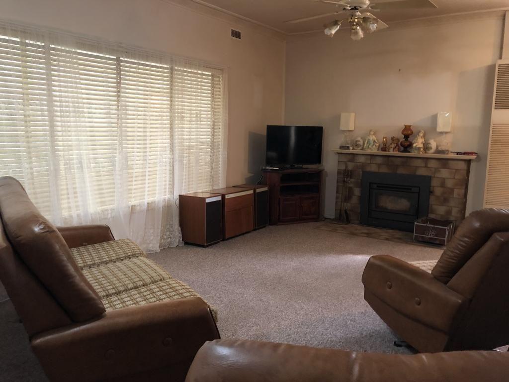 34 Canal Street, Leeton NSW 2705, Image 2