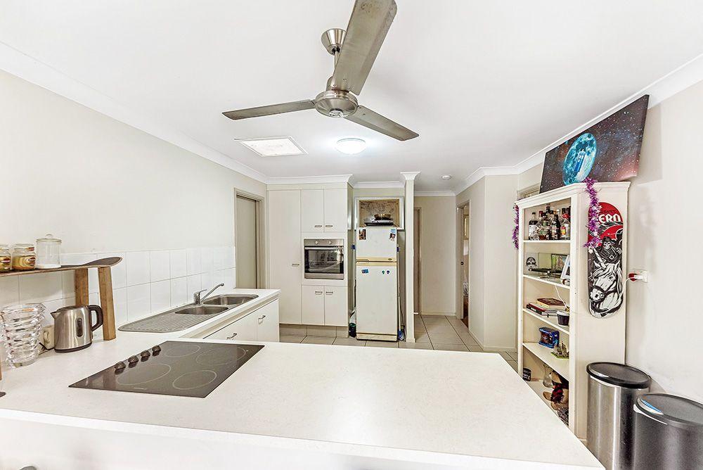 2/13 Napper  Road, Arundel QLD 4214, Image 1