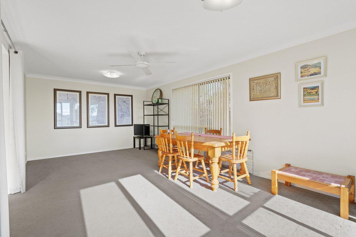 4 Lexington Avenue, Wadalba NSW 2259, Image 2