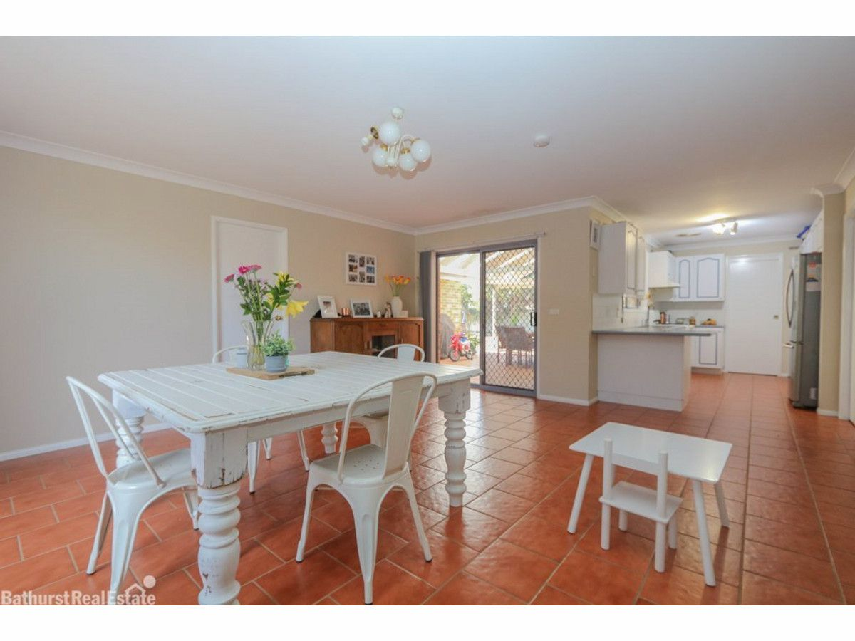 28 Landseer Street, Raglan NSW 2795, Image 2