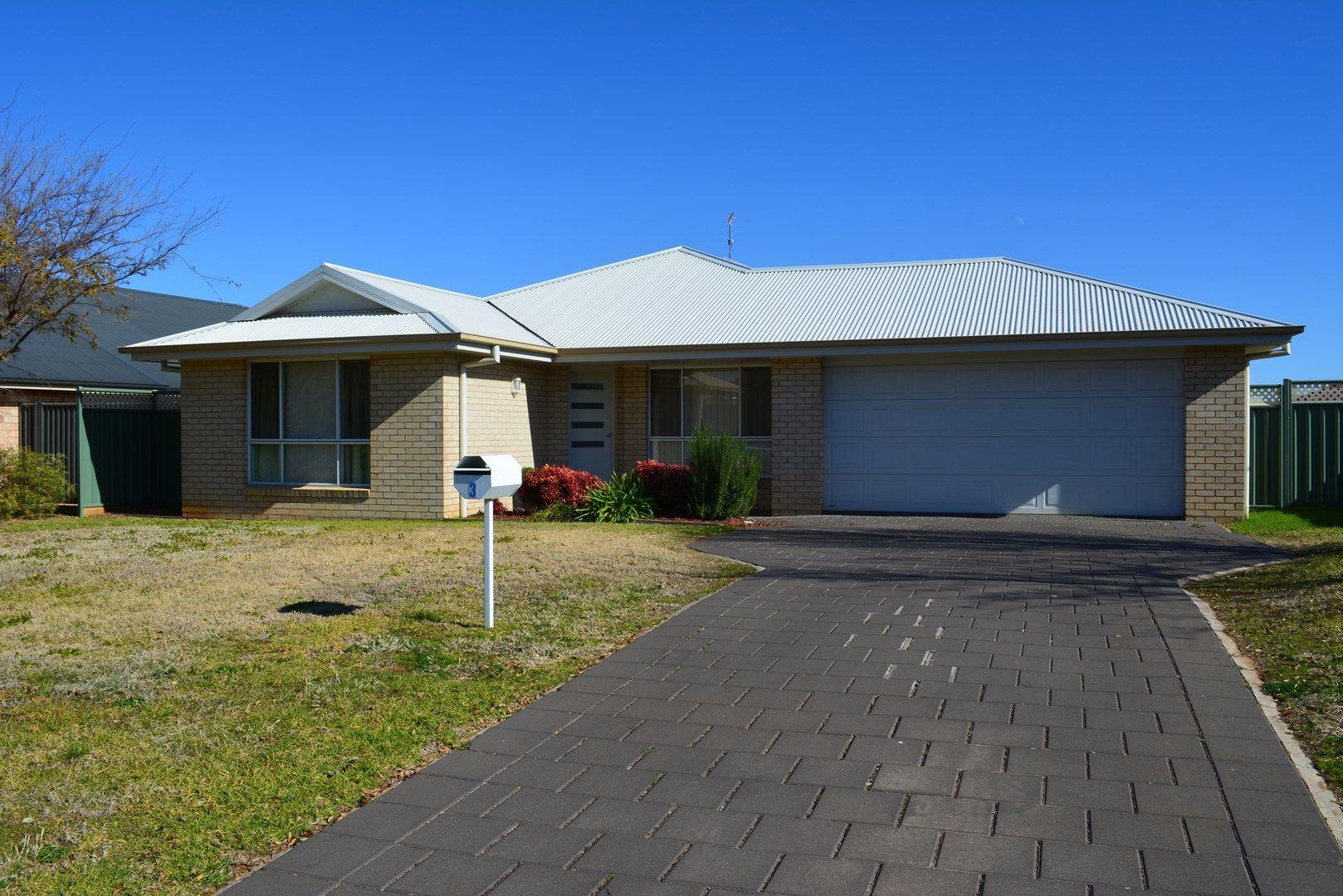 3 Selkirk Avenue, Dubbo NSW 2830, Image 0