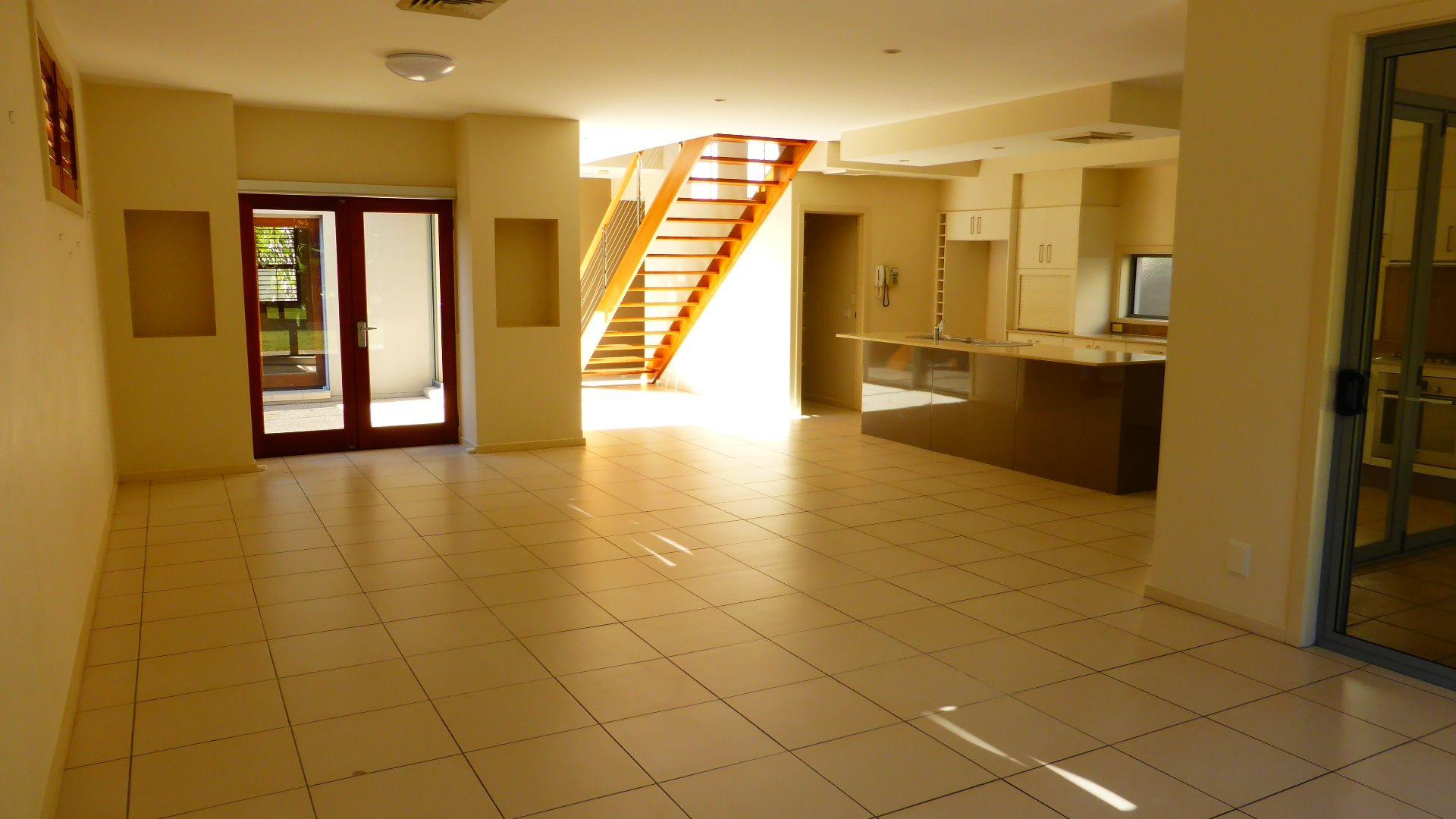 38 Lakelands Drive, Merrimac QLD 4226, Image 2