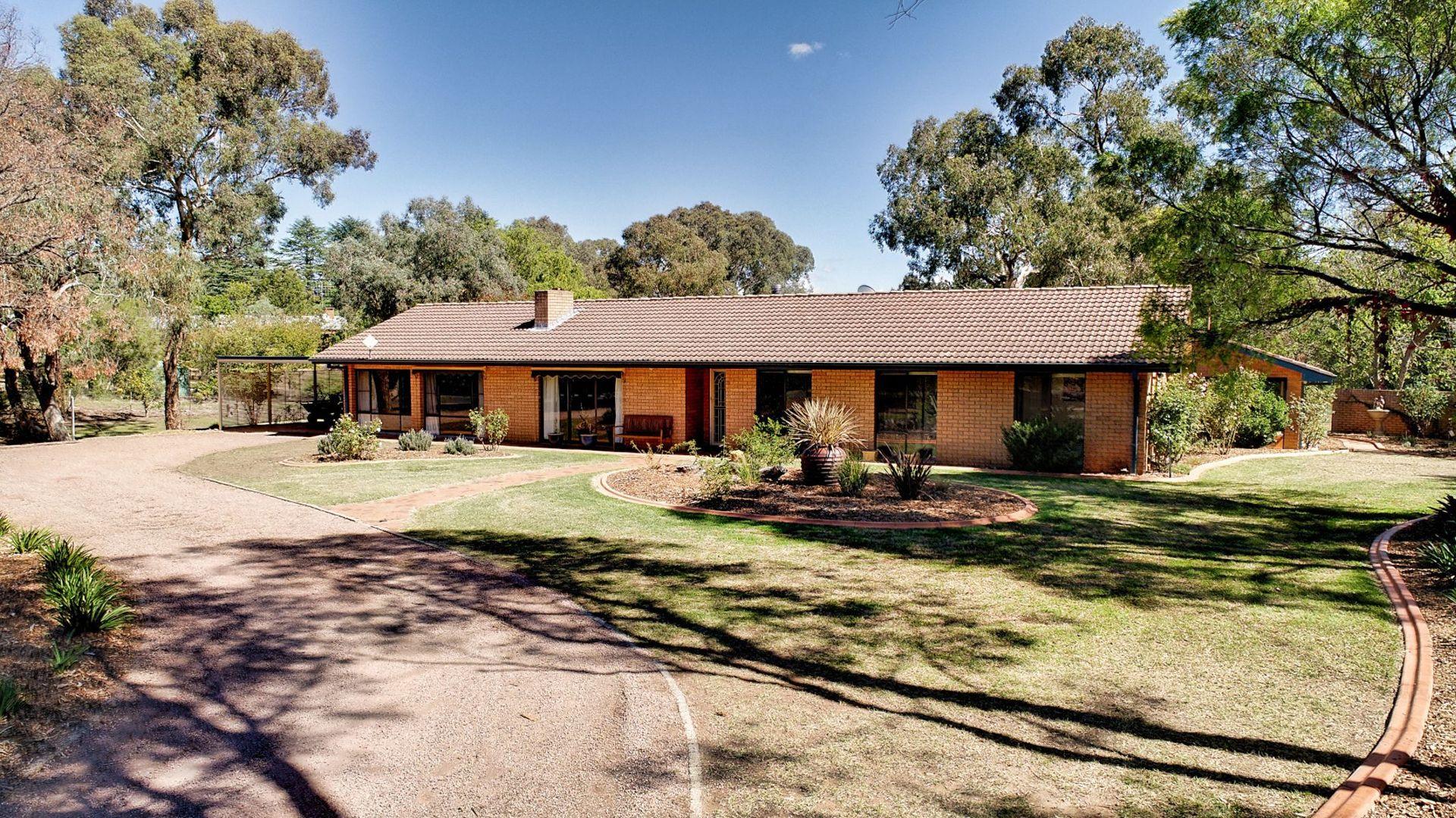 10 Strathmore Drive, Bathurst NSW 2795, Image 1