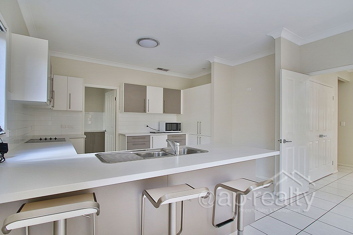 5 Gregory Close, Forest Lake QLD 4078, Image 2