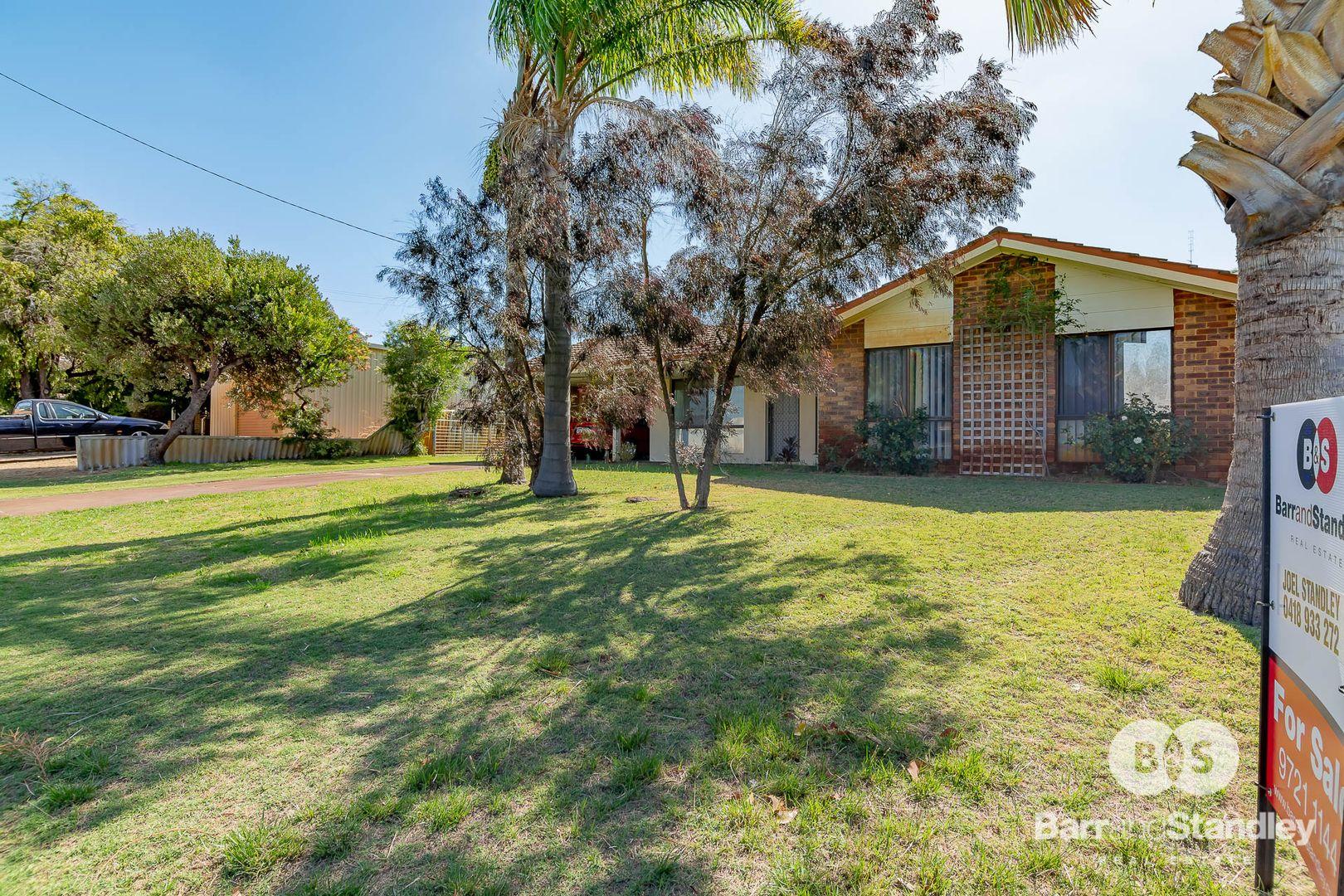 70 Wakefield Crescent, Australind WA 6233, Image 2