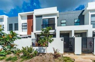 9 Mayfair Lane, Hope Island QLD 4212