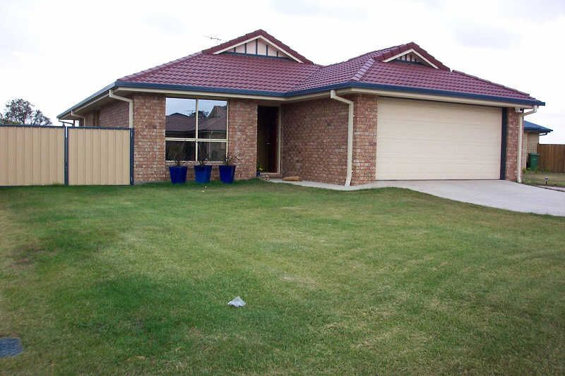 17 Lake Cooloola Court, Logan Reserve QLD 4133, Image 0