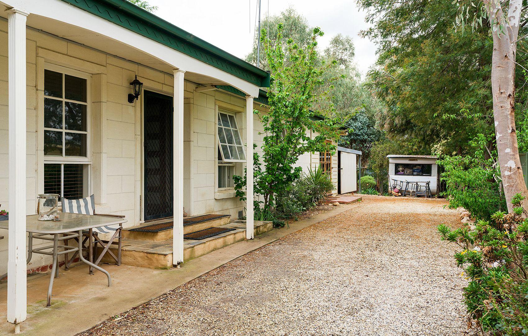 2 Diamond Gully Road, Campbells Creek VIC 3451, Image 1