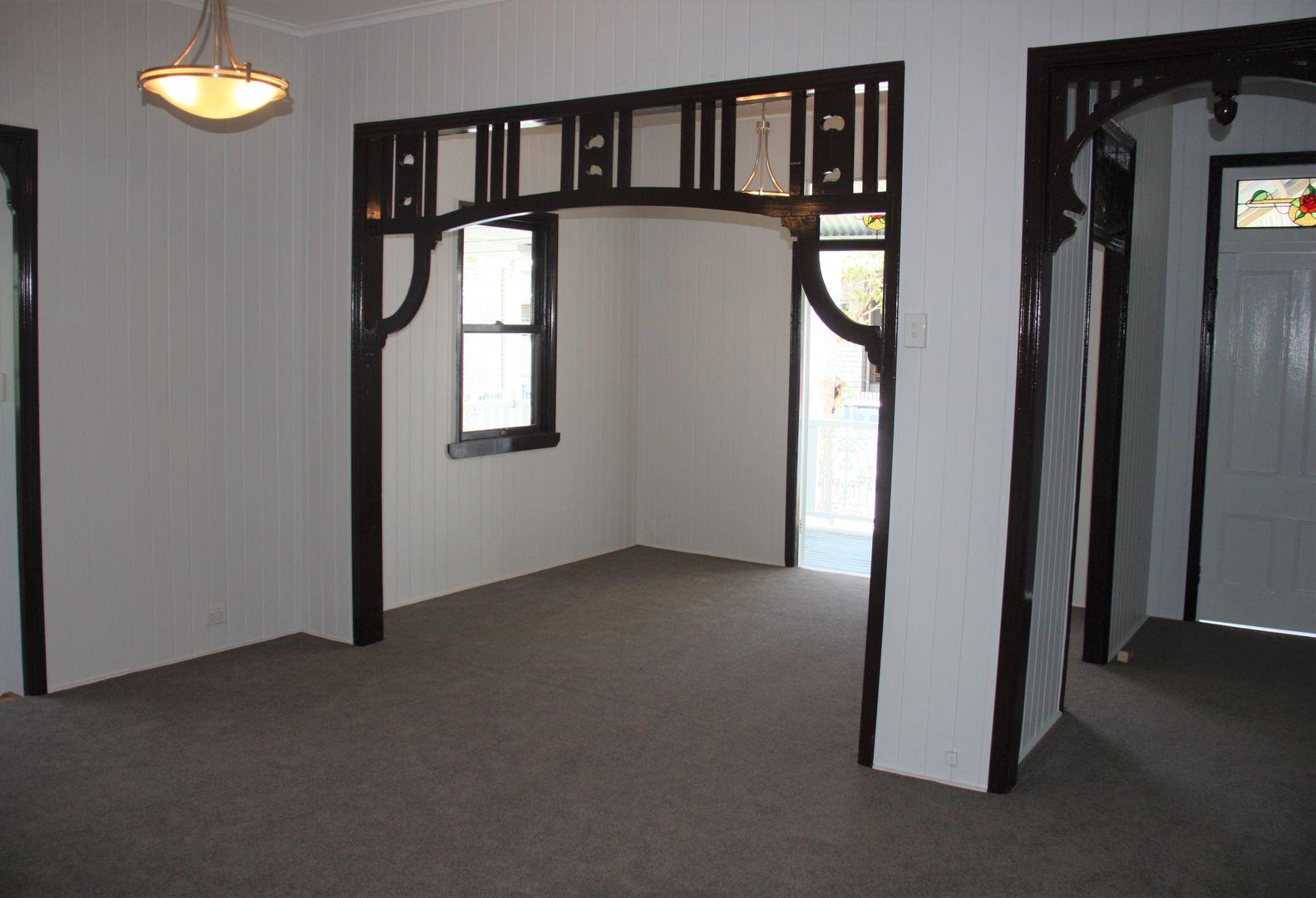 59 Mearns Street, Fairfield QLD 4103, Image 2