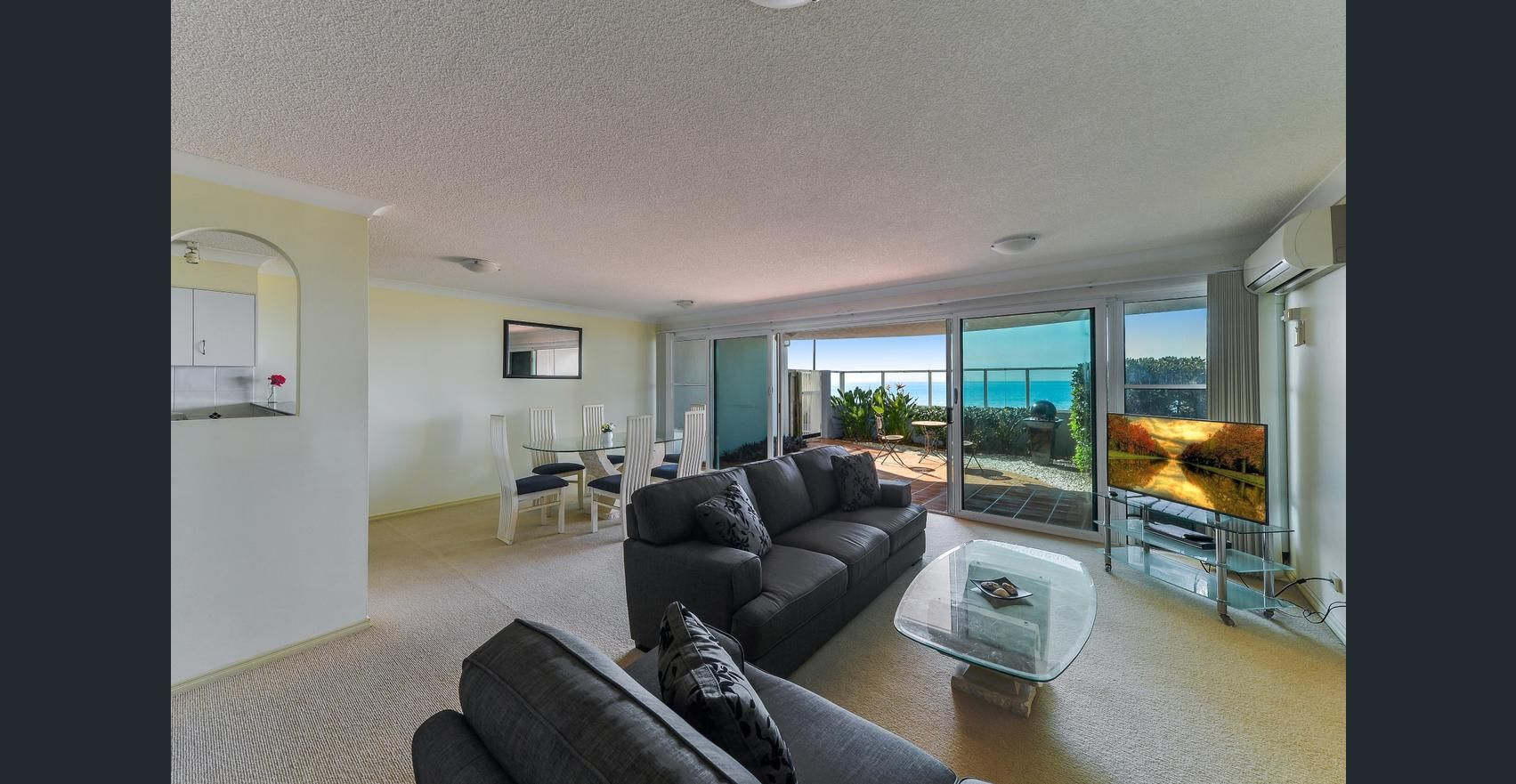 1/94-98 Prince Edward Pde, Redcliffe QLD 4020, Image 2