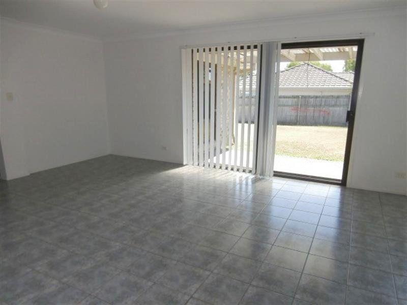 49 Manettia Street, Wynnum West QLD 4178, Image 2