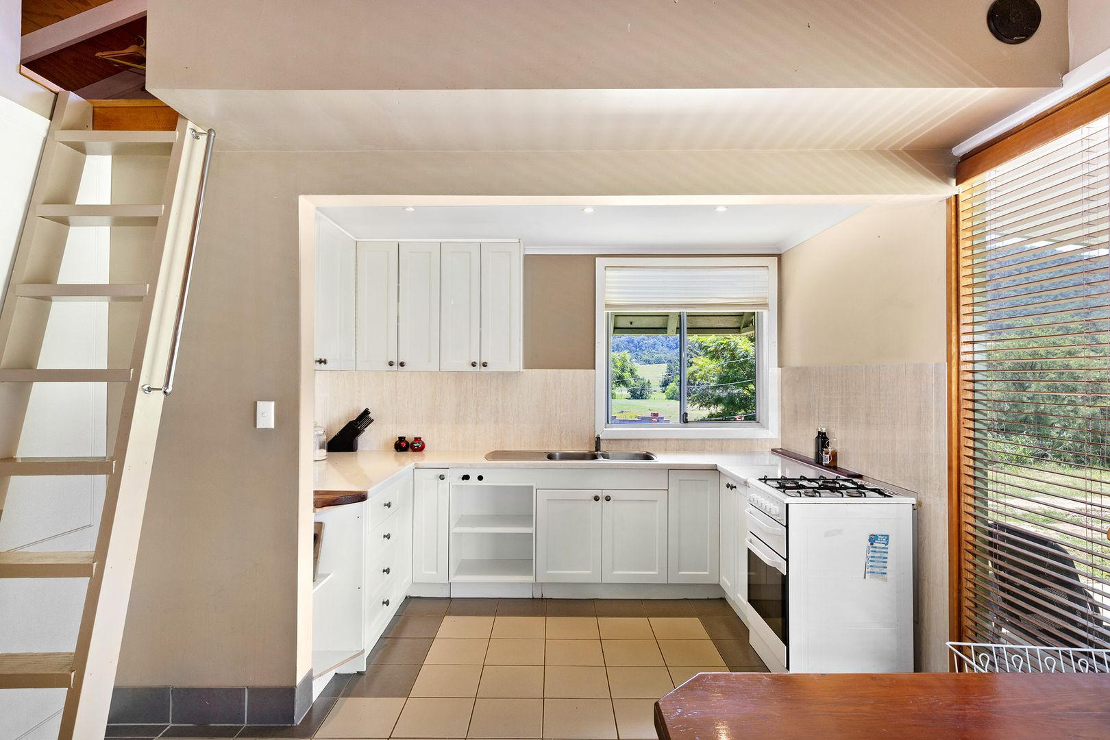 1549 Mount View Road, Millfield NSW 2325, Image 2