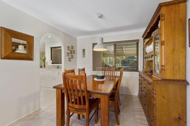 52 Caloola Drive, Springwood QLD 4127, Image 2