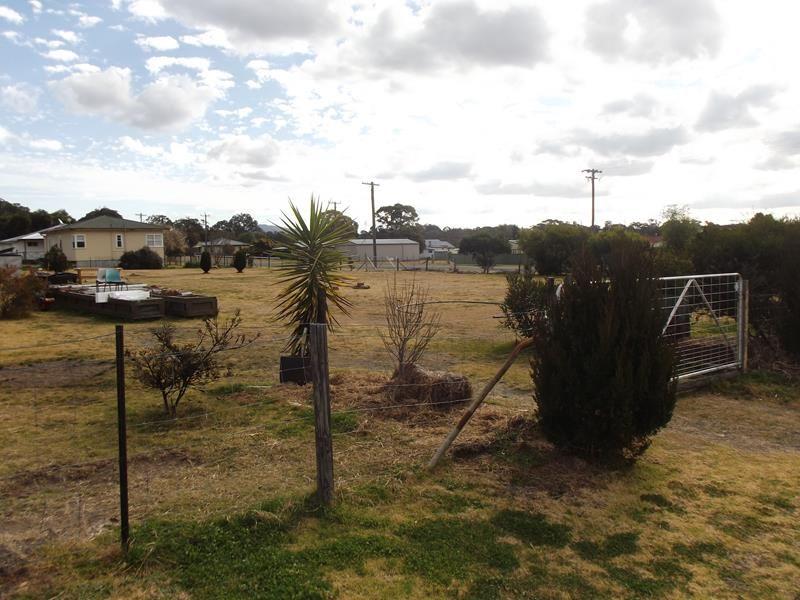 58 Tenterfield Street, Wallangarra QLD 4383, Image 1