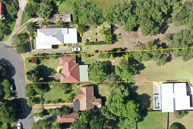 Picture of 4 McKenzie Avenue, WOLLONGONG NSW 2500