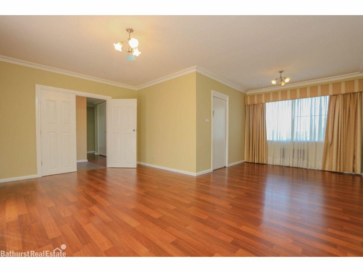 30 Hill Street, West Bathurst NSW 2795, Image 2