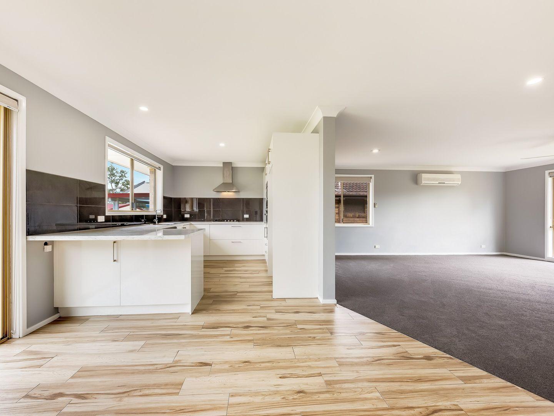 22 Comerford Close, Aberdare NSW 2325, Image 2