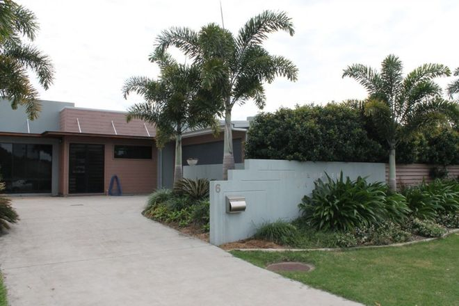 Picture of 2/6 Whitehaven Drive, BLACKS BEACH QLD 4740