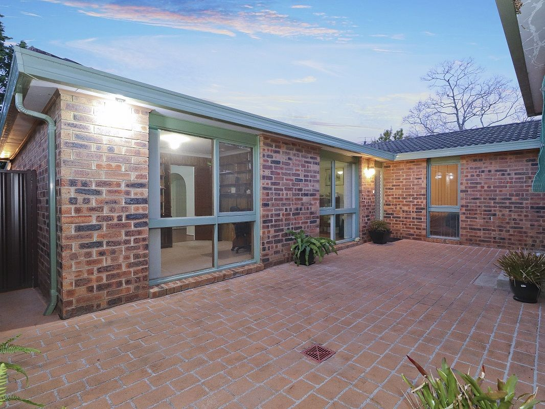 19 Holburn Crescent, Kings Langley NSW 2147, Image 2