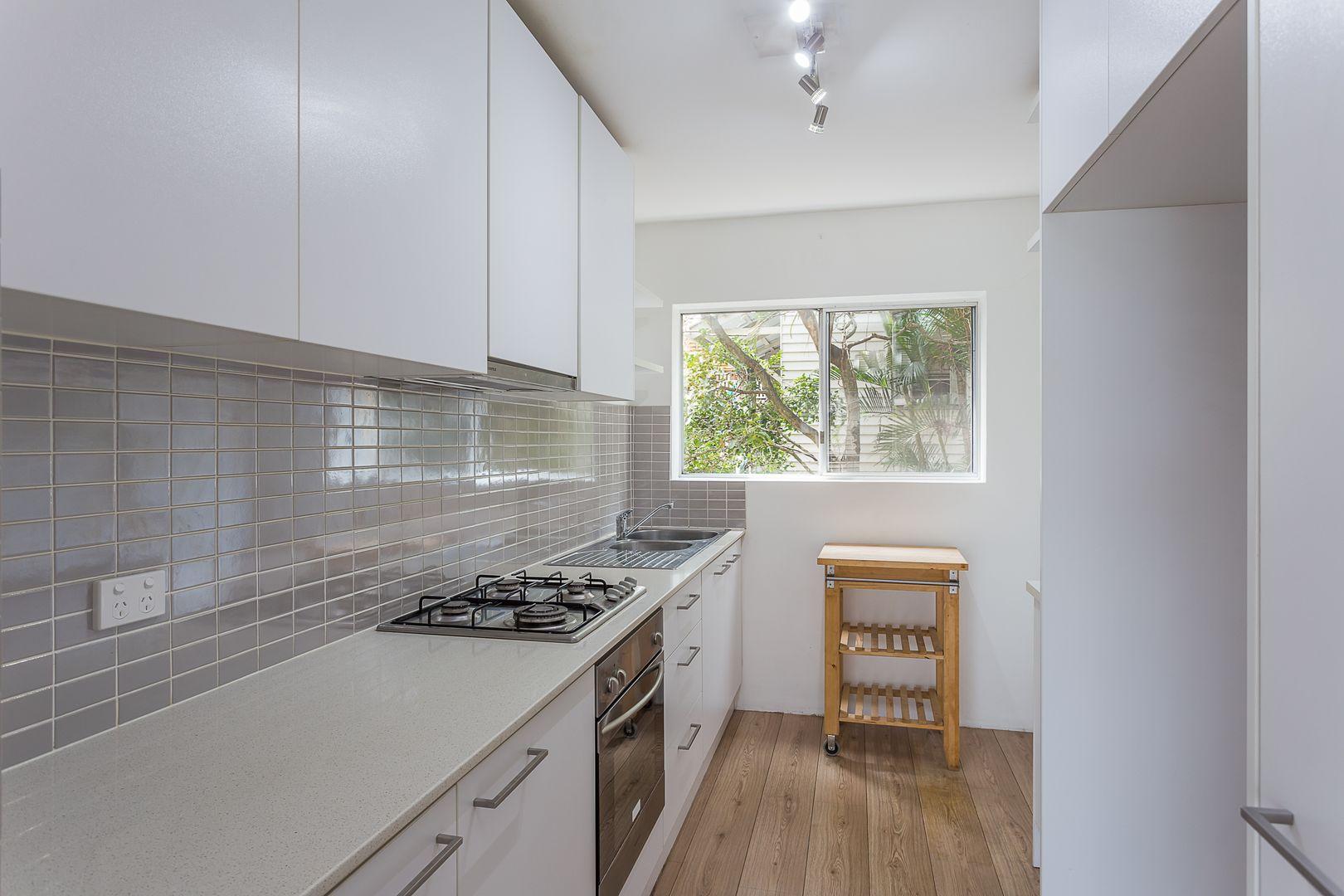 2/17 Hunter Street, Greenslopes QLD 4120, Image 0