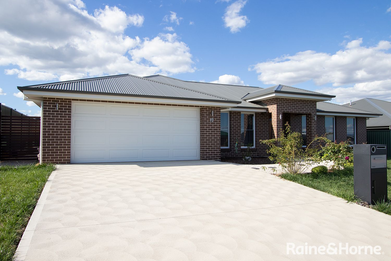 17 Fraser Drive, Eglinton NSW 2795, Image 0