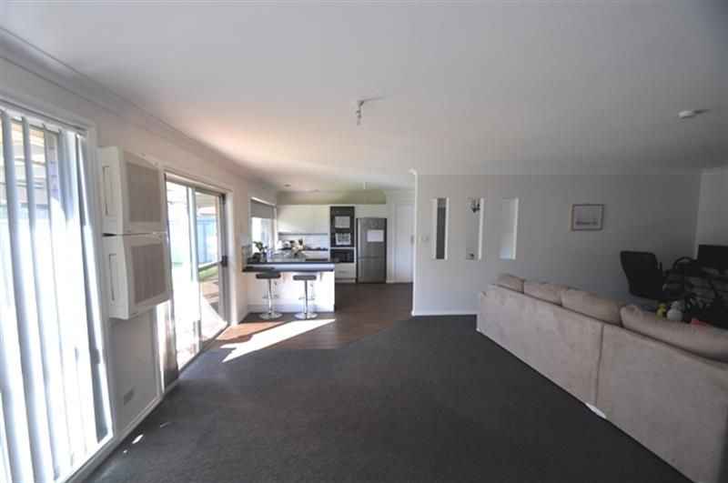 8 Doncaster  Ave, Dubbo NSW 2830, Image 2