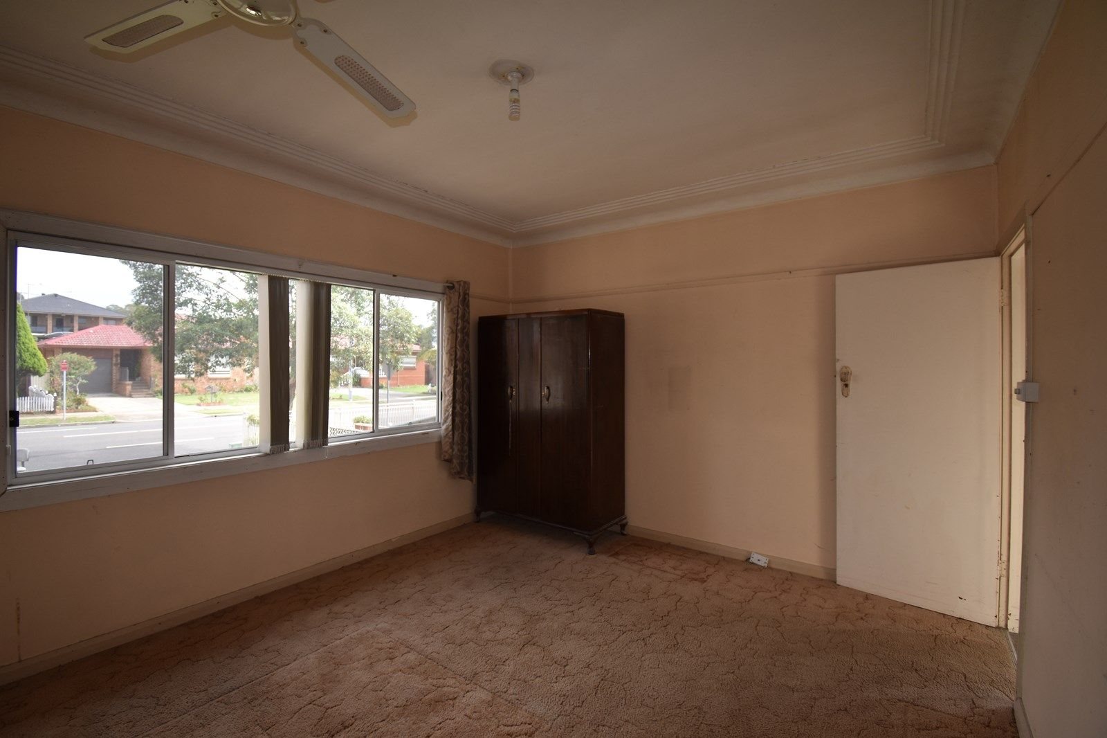 581 Smithfield  Road, St Johns Park NSW 2176, Image 1