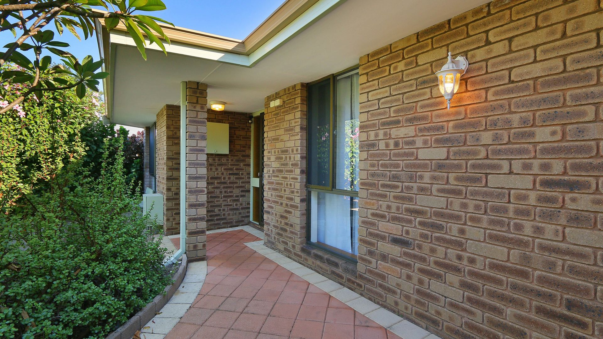 10 Lansby Court, Riverton WA 6148, Image 2