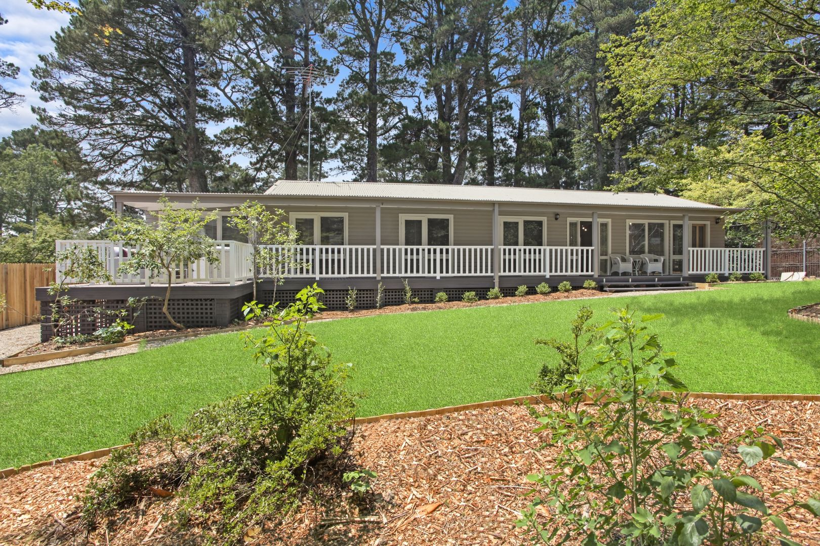 136 Falls  Road, Wentworth Falls NSW 2782, Image 0