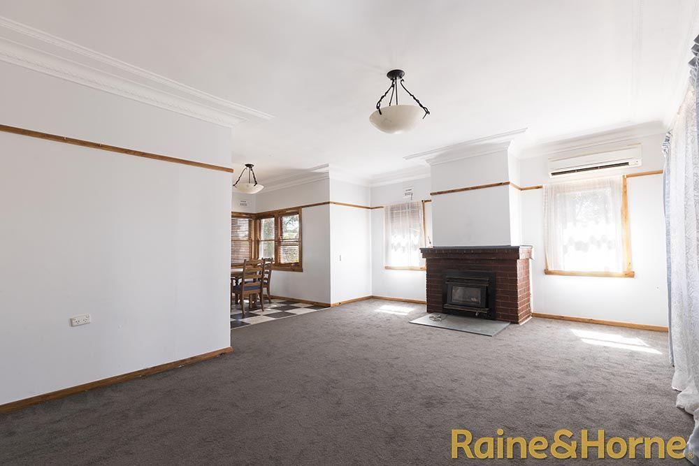 86 Victoria Street, Dubbo NSW 2830, Image 2