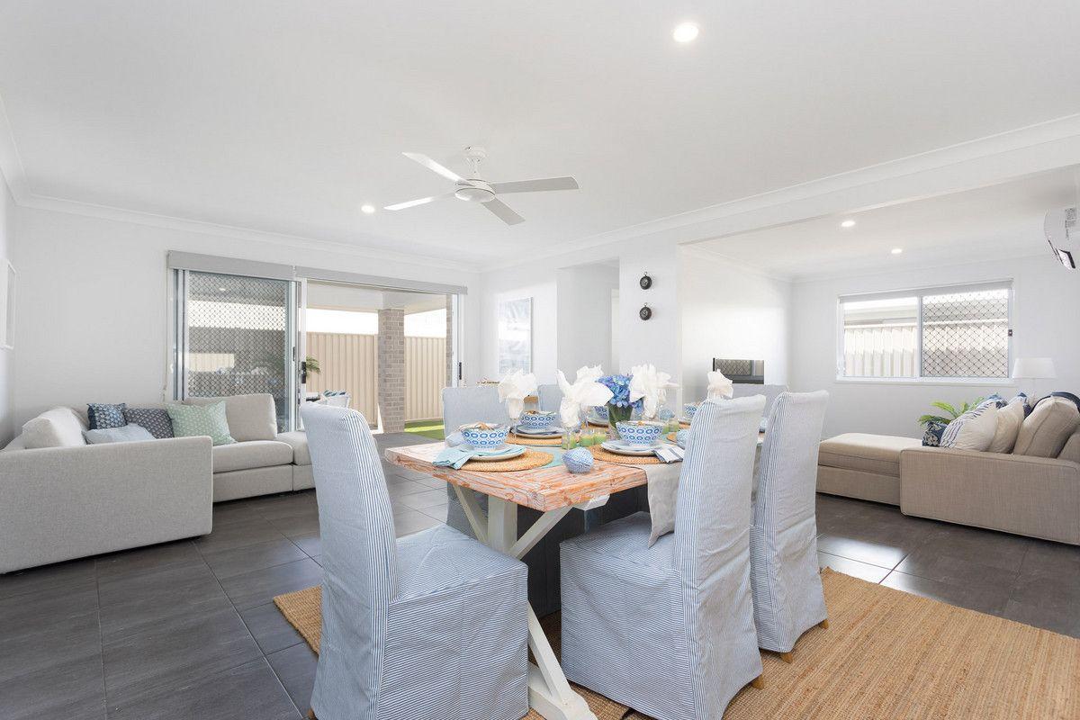 11/6 Daysland Street, Victoria Point QLD 4165, Image 2