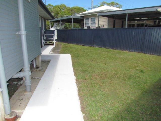 33 Scarborough Road, Redcliffe QLD 4020, Image 2