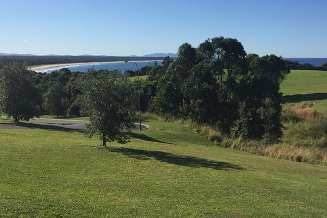 Picture of 20 Glenelg Crescent, RED HEAD NSW 2430