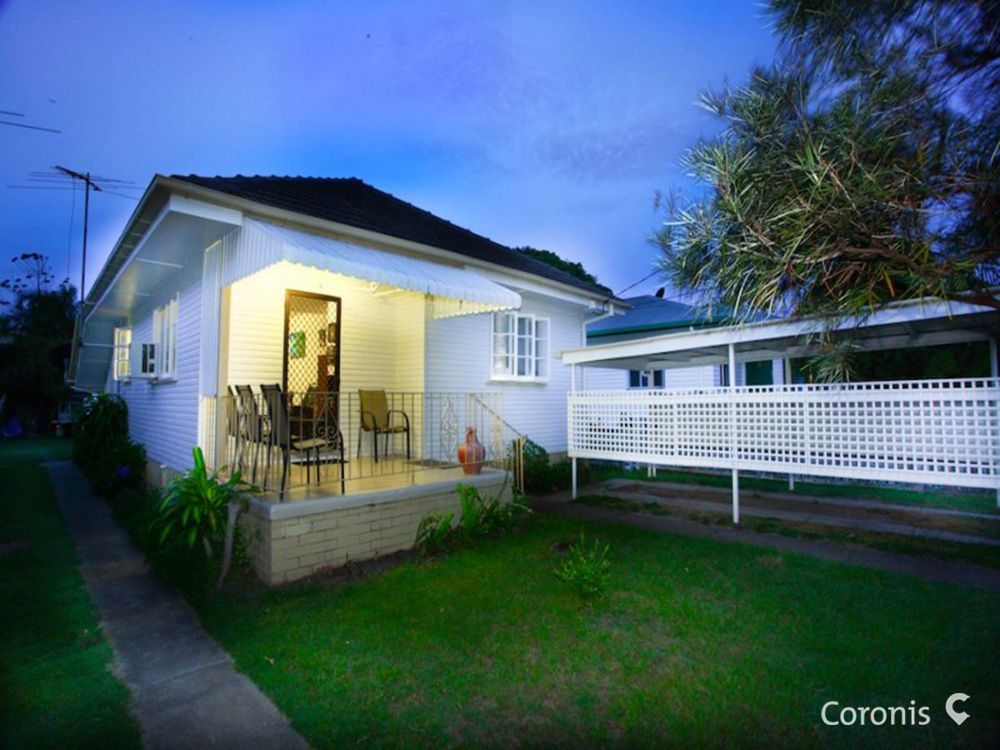 6 Fifth Avenue, Scarborough QLD 4020, Image 0