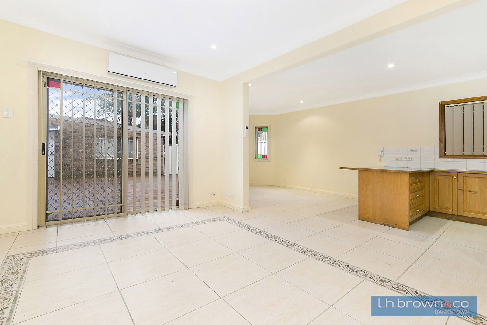 2/52 Chertsey Avenue, NSW, Bankstown NSW 2200, Image 2