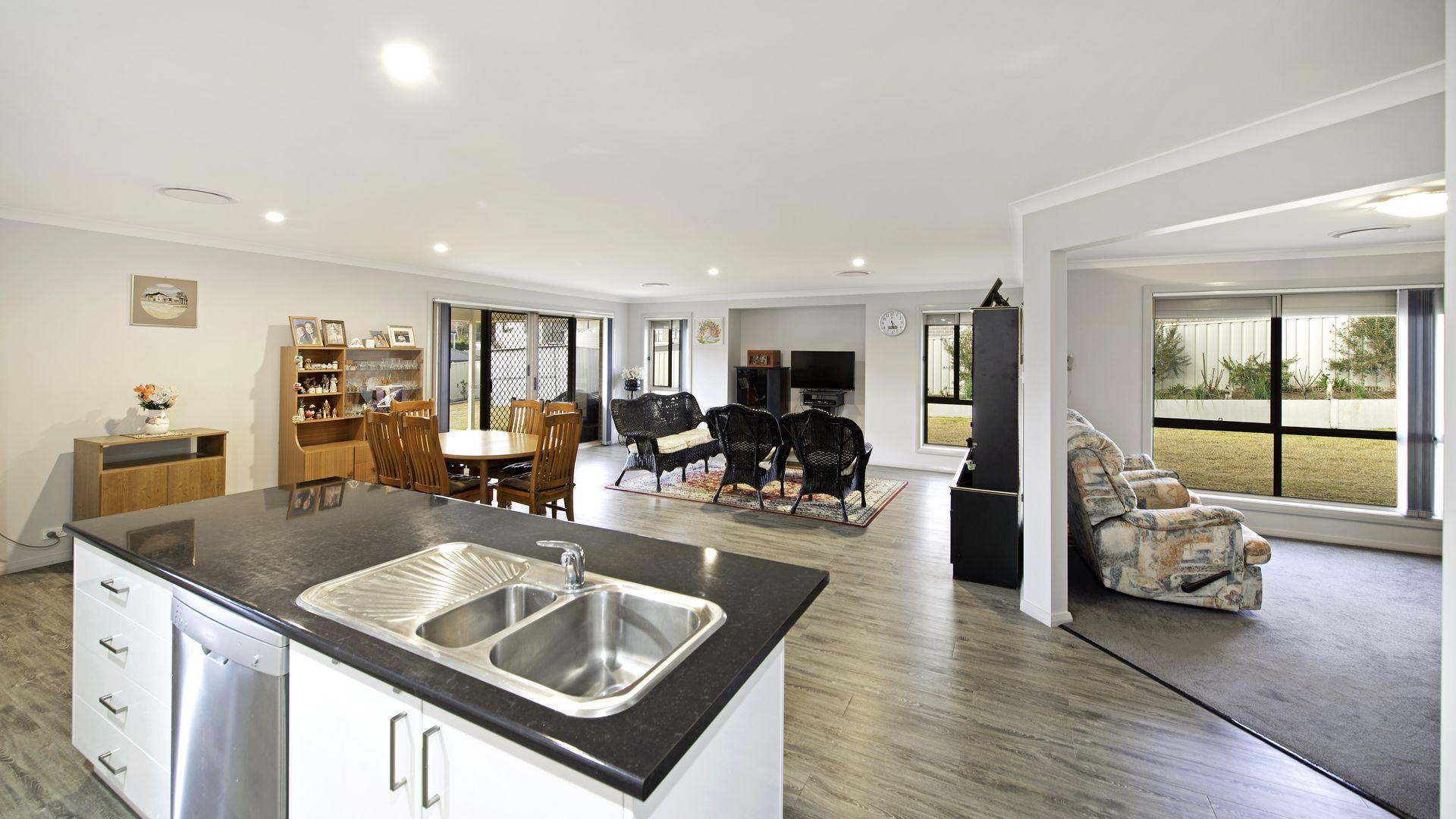 44 Morton Avenue, Yass NSW 2582, Image 2